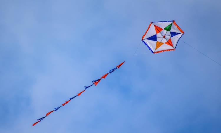 Καθαρά Δευτέρα: Τι γιορτάζουμε, γιατί πετάμε χαρταετό και τρώμε λαγάνα;