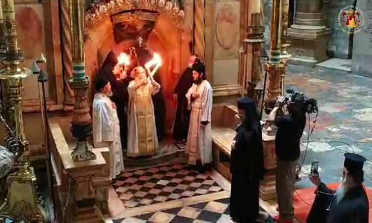 Η Αφή του Αγίου Φωτός στον Πανάγιο Τάφο (ΦΩΤΟ-ΒΙΝΤΕΟ)