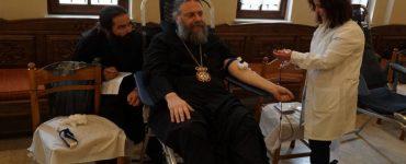 Ένας Επίσκοπος εθελοντής αιμοδότης