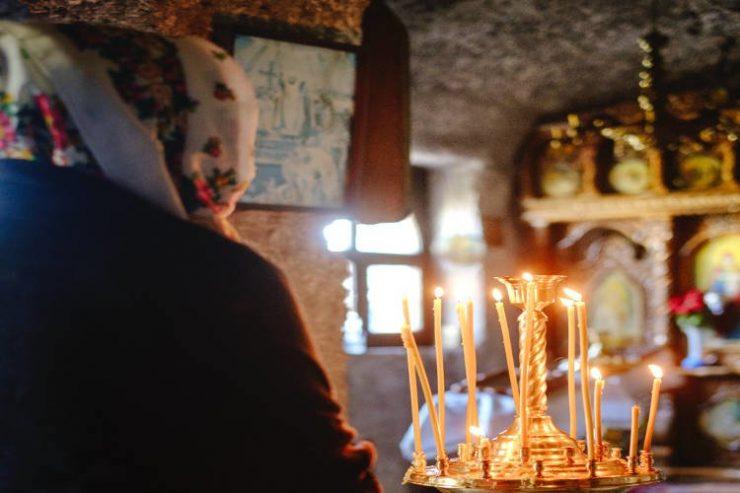 Να προσευχόμαστε για την Ορθόδοξη Εκκλησία