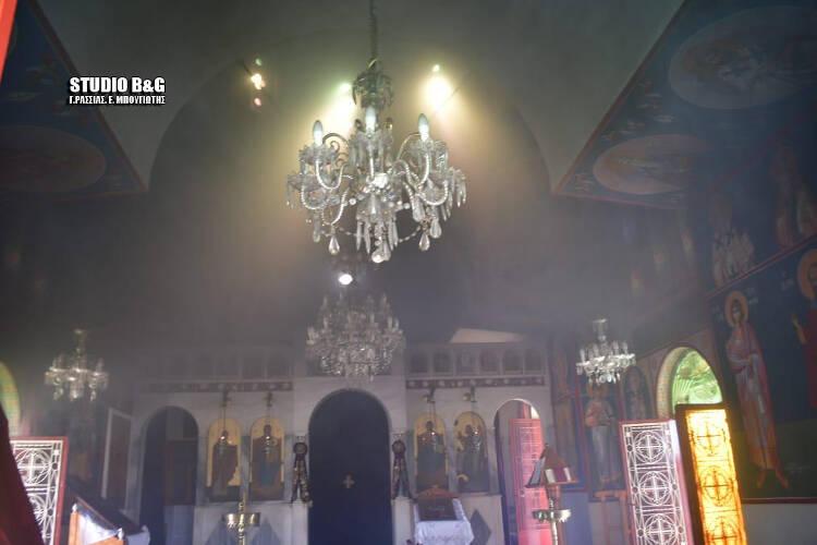 Ιερέας άφησε τη Θεία Λειτουργία για να σβήσει φωτιά
