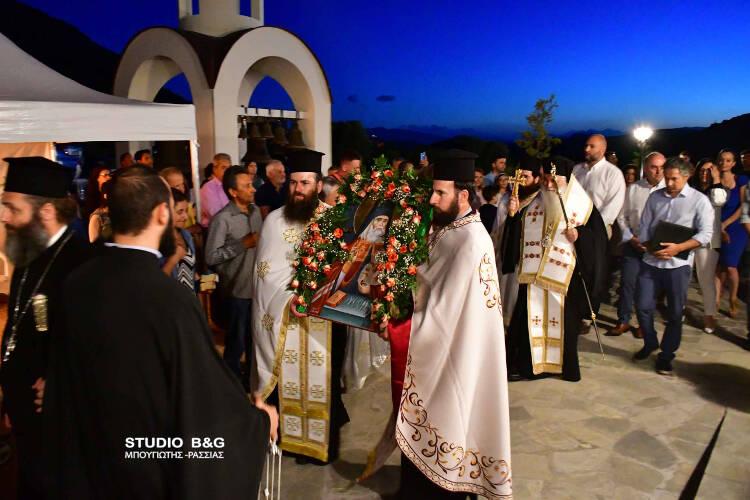 Αρχιερατικός εσπερινός για τον Άγιο Λουκά στο Ναύπλιο (ΦΩΤΟ)