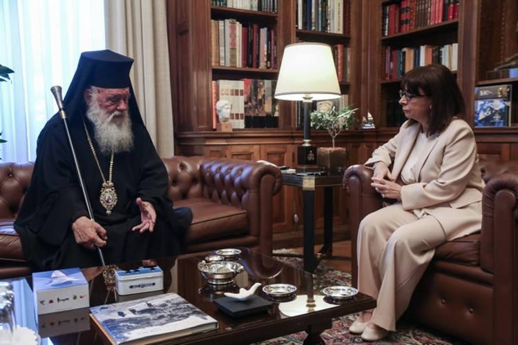 Εθιμοτυπική επίσκεψη Αρχιεπισκόπου στην ΠτΔ