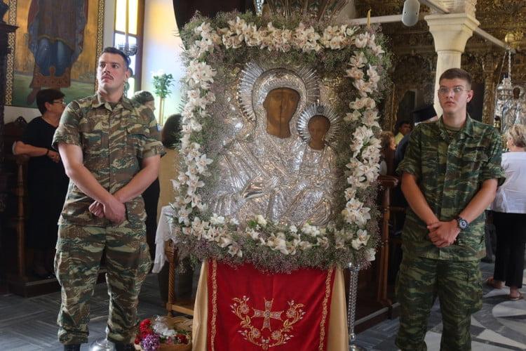 Τις πρεσβεύεις της Παναγίας Θεοσκεπάστου επικαλέσθηκε ο λαός της Άνδρου