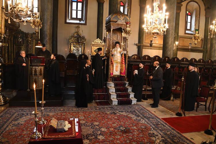 Εορτή της μνήμης των Αγίων Αποστόλων Βαρθολομαίου και Βαρνάβα στο Φανάρι (ΦΩΤΟ)