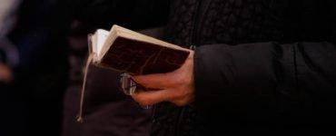 Η ομαδική προσευχή έχει μεγάλη δύναμη