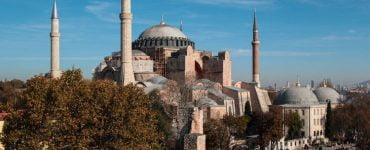 Εκκλησία Κρήτης: Η Αγία Σοφία ανήκει στην ανθρωπότητα Ιερά Σύνοδος για Αγία Σοφία: Προβαίνουμε άμεσα σε διεθνείς εκκλήσεις και διαβήματα