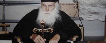 Άγιος Εφραίμ Κατουνακιώτης: Αφού ο Γέροντας δεν έχει δίκαιο, γιατί επιμένει;