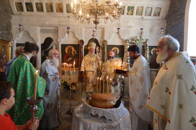 Λαμπρά εόρτασε η Ιερά Μονή Αγίας Ειρήνης Χρυσοβαλάντου Αποικιών Άνδρου
