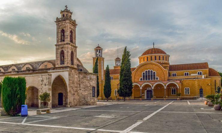 Υποχρεωτική χρήση μάσκας στις Εκκλησίες της Κύπρου
