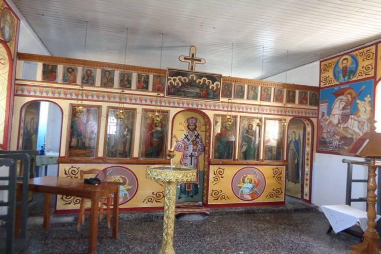 Ιερόσυλοι έκλεψαν εκκλησάκι σε χωριό του Δομοκού: Άρπαξαν δέκα εικόνες!