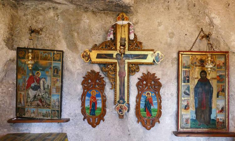 Αγρυπνία Υψώσεως του Τιμίου Σταυρού στη Μονή Γωνιάς Κολυμβαρίου