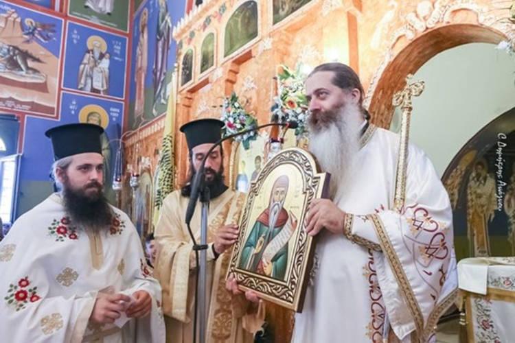 Ο πολύτεκνος ιερέας που πέρασε 5ος στη Θεολογική Αθηνών!