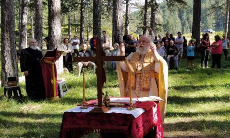 Θεία Λειτουργία στη Βάλια Κάλντα