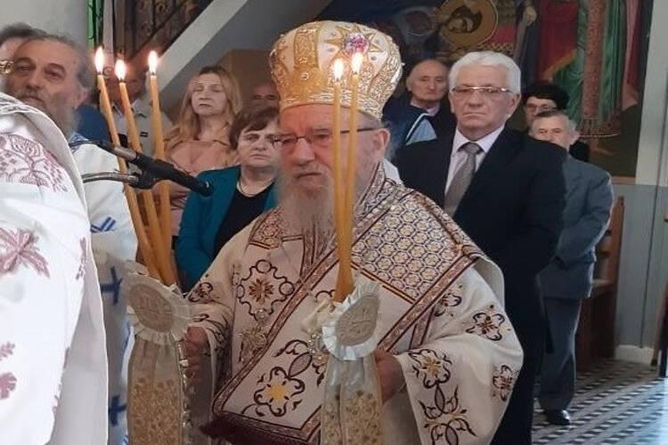 Αιτωλίας Κοσμάς: Δεν αφήνει ο Θεός μέσα στο Ναό να μολυνθείς