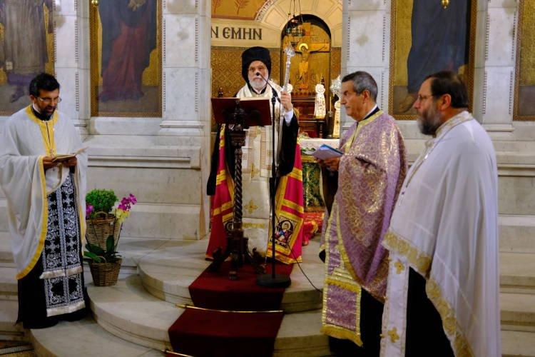 Τρισάγιο από τον Επίσκοπο Ρηγίου για τον μακαριστό π. Νικόλαο Ξένο