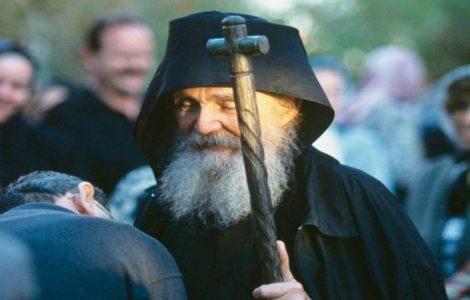 Ο Άγιος Πορφύριος για τον Γέροντα Εφραίμ της Αριζόνας