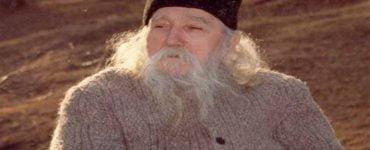 Γέροντας Κλεόπας Ηλίε: Τι βοηθάει την προσευχή;