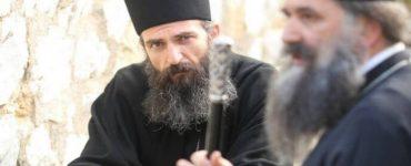 Άρης Σερβετάλης: Θα έπρεπε να είναι ανοιχτές οι εκκλησίες