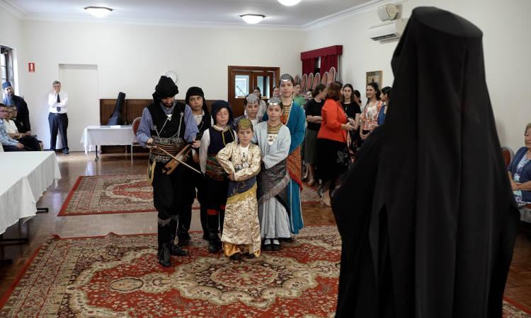 Παραδοσιακά κάλαντα από νέους της Ομογένειας άκουσε ο Αρχιεπίσκοπος Αυστραλίας (ΦΩΤΟ)