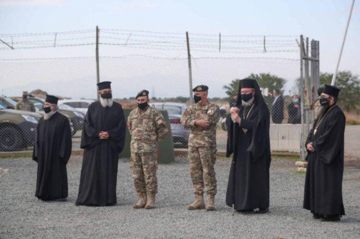 Ο Αρχιεπίσκοπος Κύπρου επισκέφθηκε τους στρατιώτες στα φυλάκια της πράσινης γραμμής