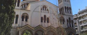 Δύο Θείες Λειτουργίες στον Άγιο Νικόλαο Λαρίσης την Πρωτοχρονιά