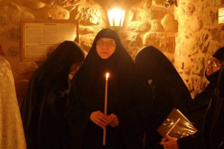 Η Γερόντισσα Φιλοθέη, η απλή και ταπεινή μητέρα όλων μας Αύριο το 40ημερο Μνημόσυνο της Γερόντισσας Φιλοθέης ηγουμένης της Μονής Ρουσάνου