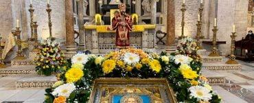 Ο μητροπολίτης Βολοκολάμσκ Ιλαρίωνας ιερούργησε στα λείψανα του Αγίου Νικολάου στο Μπάρι