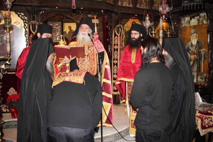 Δυο νέες μοναχικές κουρές στην Ιερά Μονή Τρικόρφου Φωκίδος (ΦΩΤΟ)