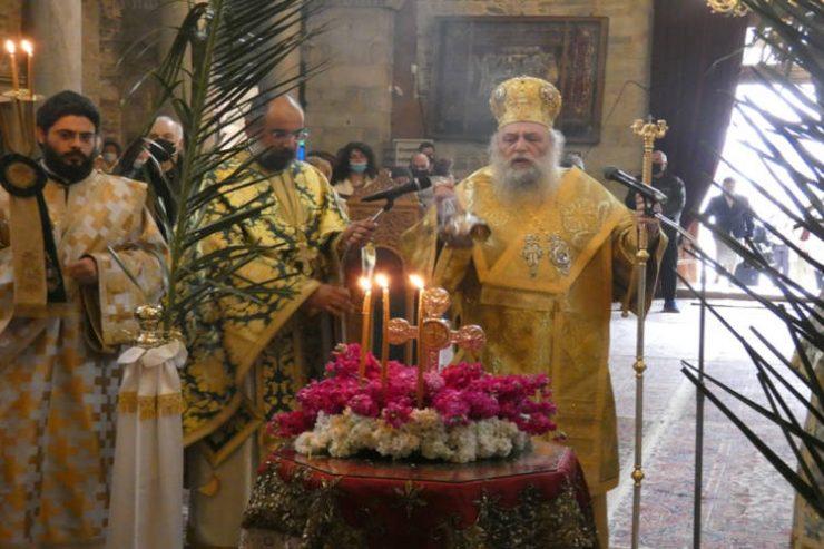Κυριακή της Σταυροπροσκυνήσεως στην Παναγία την Εκατονταπυλιανή
