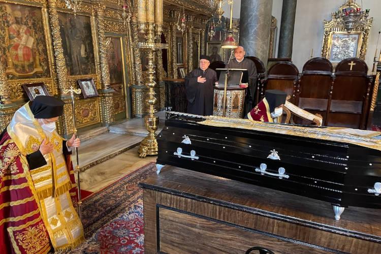Η κηδεία του αειμνήστου Μητροπολίτου Συνάδων κυρού Διονυσίου