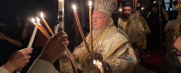 Σε κατανυκτική ατμόσφαιρα εορτάστηκε η Ανάσταση του Κυρίου στο Οικουμενικό Πατριαρχείο