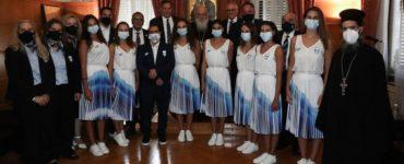 Ο πρόεδρος και αθλητές της Ελληνικής Ολυμπιακής Επιτροπής στον Αρχιεπίσκοπο