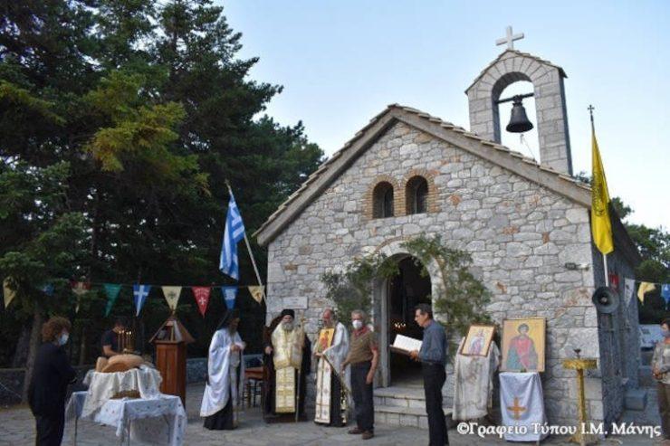 Ο Άγιος Ερμόλαος και ο Άγιος Παντελεήμων γιορτάστηκαν στη Μάνη