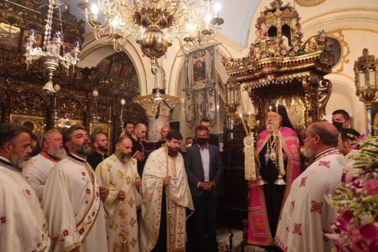 Οι Μυκόνιοι τιμούν την προστάτιδα τους Παναγία Τουρλιανή