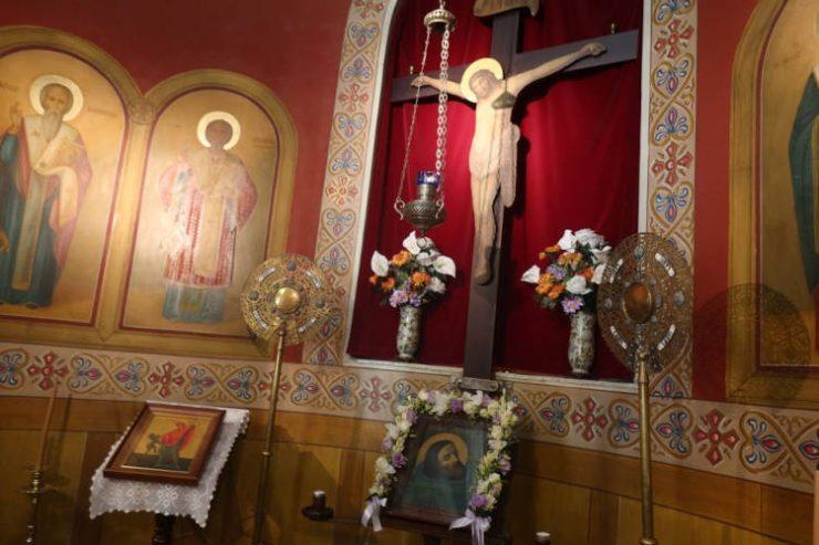 Αρχιερατική Θεία Λειτουργία στην παραθεριστική περιοχή της Ποσειδωνίας Σύρου