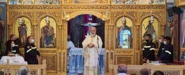 Θεία Λειτουργία στο Κρυονέρι μετά την καταστροφική πυρκαγιά