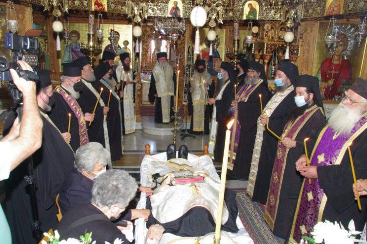 Η εξόδιος ακολουθία του Αρχιμανδρίτου Φιλίππου Αβραμίδη στην Ιερά Μονή Αγίου Παντελεήμονος Χρυσοκάστρου
