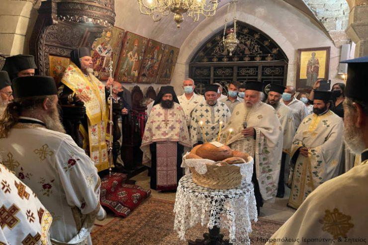 Αρχιερατικό συλλείτουργο στην πανηγυρίζουσα Ιερά Μονή Τοπλού
