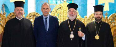 Συνάντηση του Υπουργού Επικρατείας με τον Αρχιεπίσκοπο Θυατείρων
