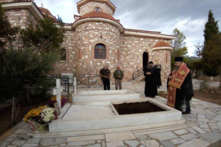 Ο Λευκάδος Θεόφιλος στην Ιερά Μονή Παναγίας Γαλακτοτροφούσας Μεγάρων